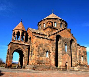 Две древние церкви восстановят в Армении